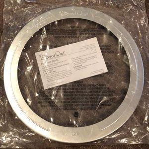 Pampered Chef pie crust shield New